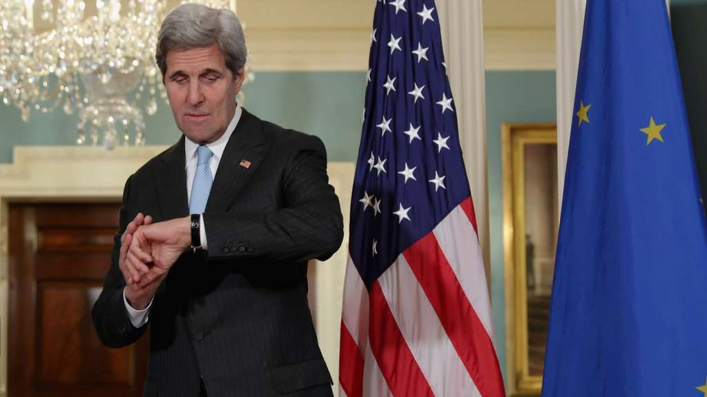 WASHINGTON, DC - MAY 04: U.S. Secretary of State John Kerry checks his watch after refusing to answer reporters&#39 questions in the Treaty Room at the State Department May 4, 2016 in Washington, DC. Kerry announced that the United States and Russia have agreed to extend the Syria truce to Aleppo and said that President Bashar al-Assad should start a political transition by August 1 to leave office and end the 5-year-old civil war. Chip Somodevilla/Getty Images/AFP== FOR NEWSPAPERS, INTERNET, TELCOS & TELEVISION USE ONLY ==