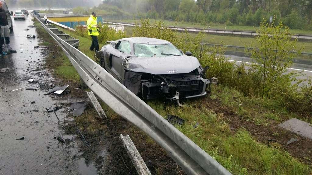 Unfälle | Vier Verletzte nach Unfall: A7 in eine Richtung gesperrt
