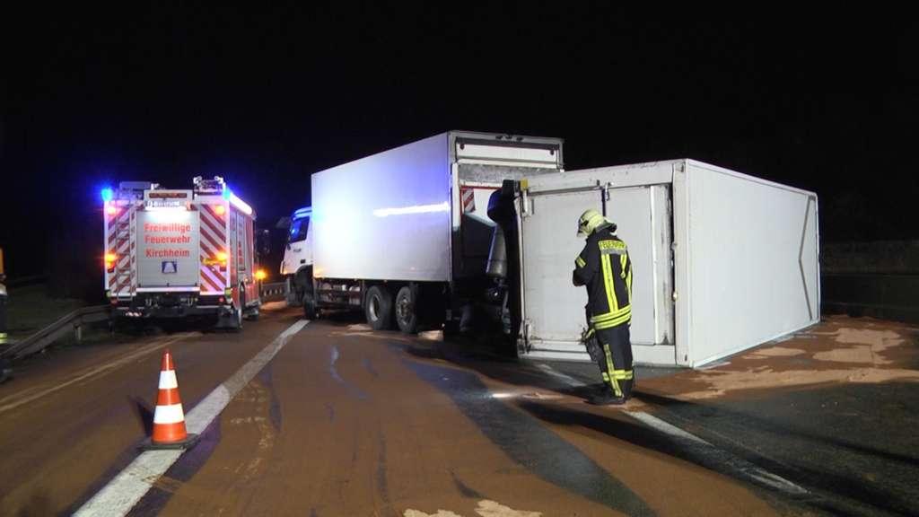 Autobahn A7 bei Bad Hersfeld nach Lkw-Unfall gesperrt