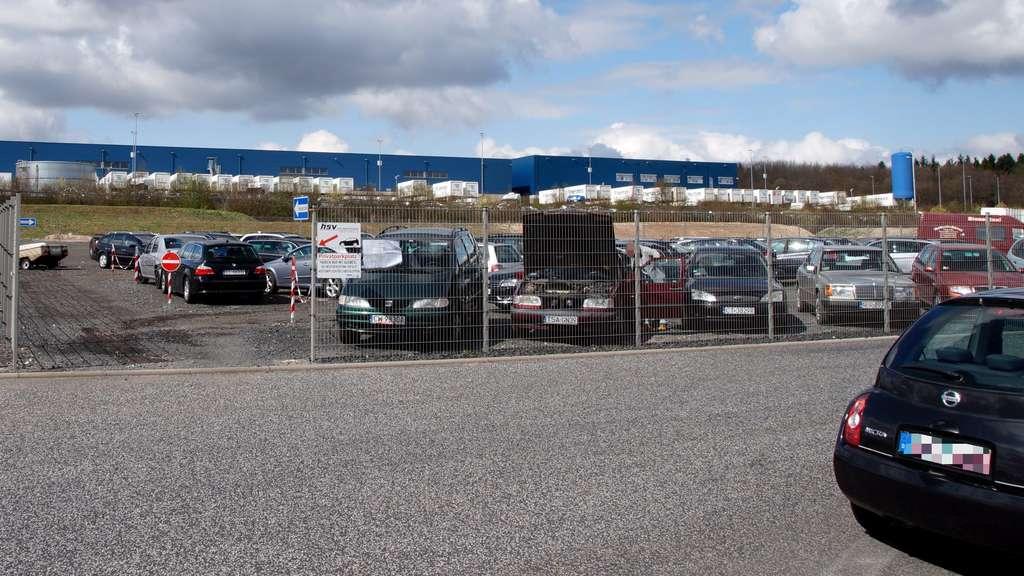 Blutverschmiertes Auto auf Parkplatz in Hessen gefunden