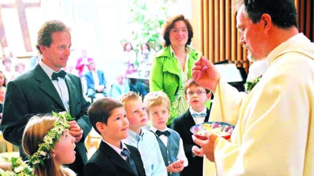 Kinder Einladen In Die Gemeinschaft Die Bedeutung Der Heiligen