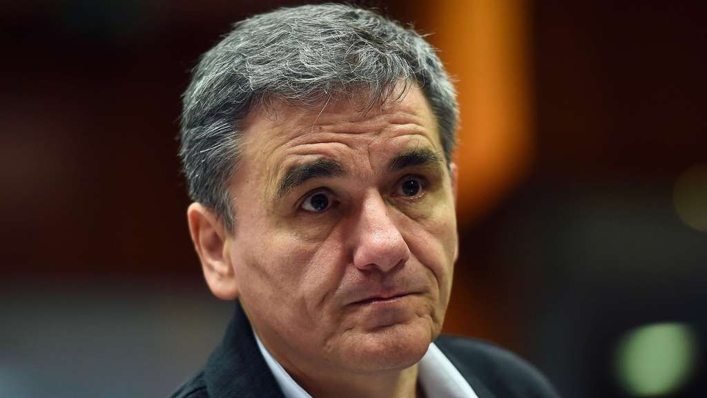 Greece&#39s Finance Minister Euclid Tsakalotos attends an Economic and Financial Affairs Council (ECOFIN) meeting at the European Council, in Brussels, on November 10, 2015. AFP PHOTO/ EMMANUEL DUNAND