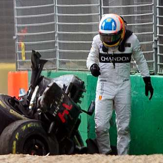 Alonso darf nach Horrorcrash nicht in Bahrain starten