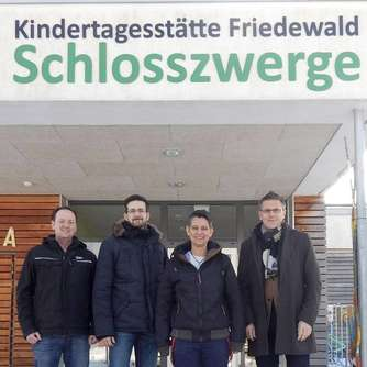 Neues Namensschild für Kita in Friedewald