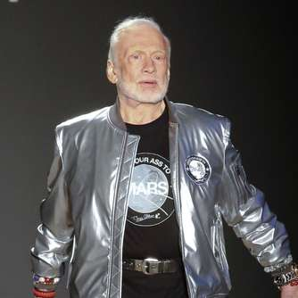 Catwalk nach Moonwalk: Buzz Aldrin zeigt Mars-Mode