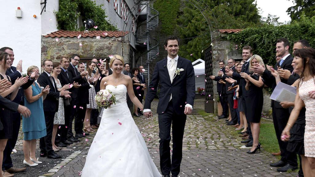 Hochzeit Auf Den Ersten Blick Sat 1 Filmte Zum Zweiten Mal Auf
