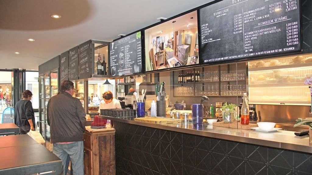 Im neuen Lokal VaccaStracca gibt es original italienische Küche und ...