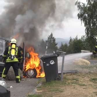 Rimberg: Kleintransporter in Flammen