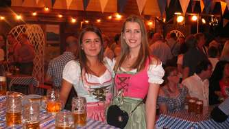 O&#39zapft is: Oktoberfest-Gaudi in Niederaula